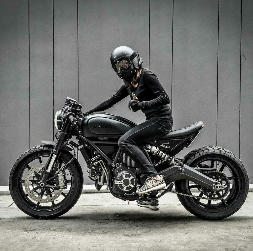 Ducati Scrambler custom café racer