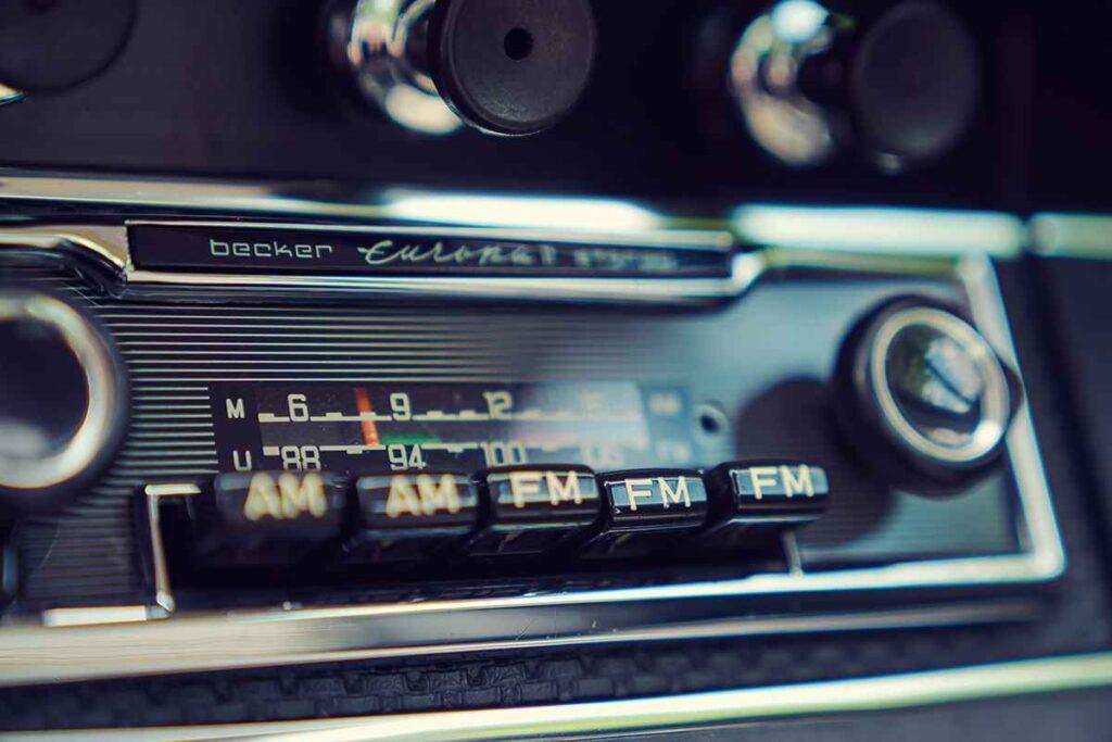 911S Bahama Porsche radio