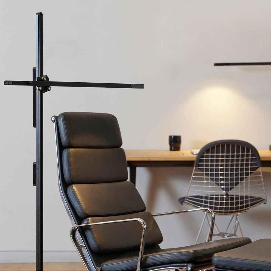 Dyson CSYS lámpara minimalista en negro
