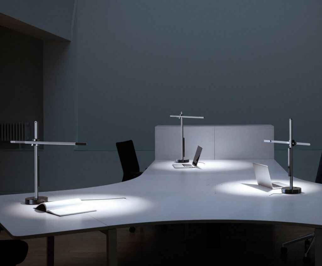 Dyson CSYS cómoda lámpara de escritorio para cualquier oficina